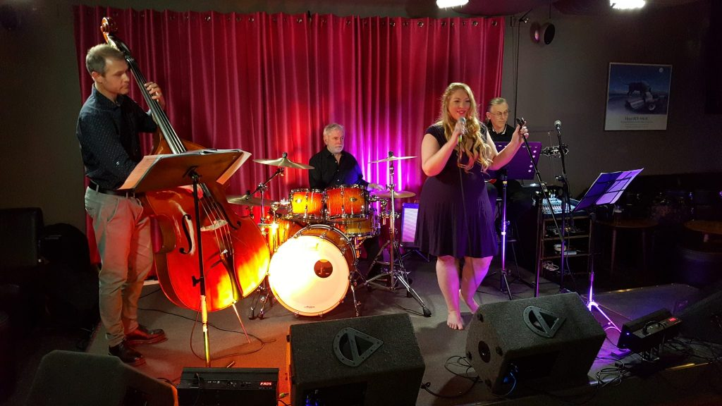 Amanda Wallace and the Rob Reeves Trio