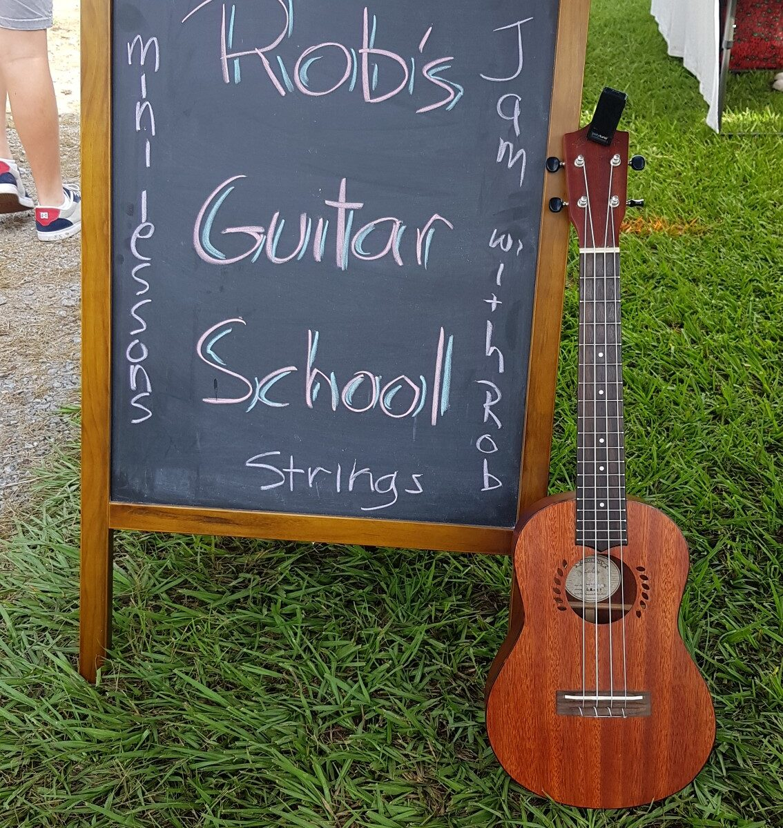 Guitar School at the markets
